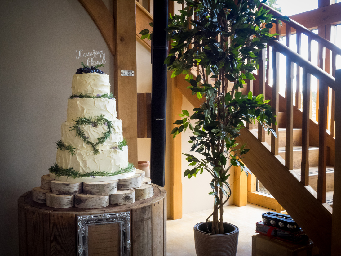Image of the wedding cake from a wedding at Tower Hill Barns.