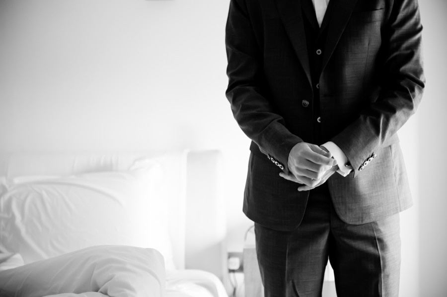 groom getting ready. wedding in Portmeirion. Wedding photographer, Celynnen Photography