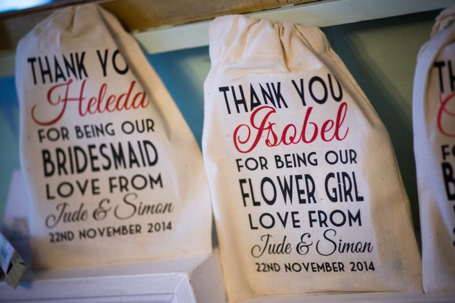 Wedding thank you bags for the flower girls by Photographer Celynnen Photography