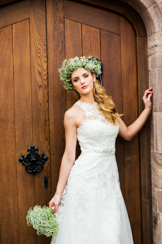 Bridal portrait photography at Bodysgallen Hall, Llandudno by Celynnen Photography. Dress by Diane Harbridge, flowers by Scent with Love.