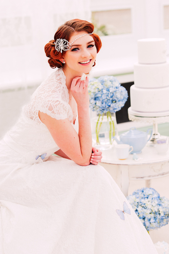 A vintage style bride (Ioan Said / Celynnen Photography)